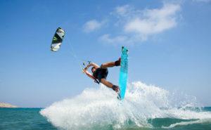 wake-style-kitesurfer
